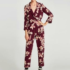 Printed jumpsuit with crossover V-neckline